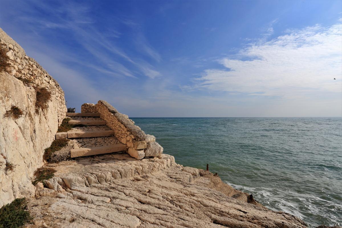 Scalinata sul mare
